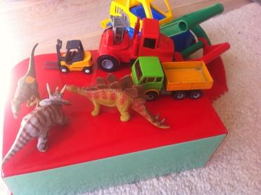 Dinosaurier Schleichtiere Baustellenfahrzeuge Matchboxautos Kinderspielzeug