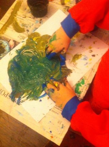 Malen mit Fingerfarben, Fingerfarben, Kinder malen