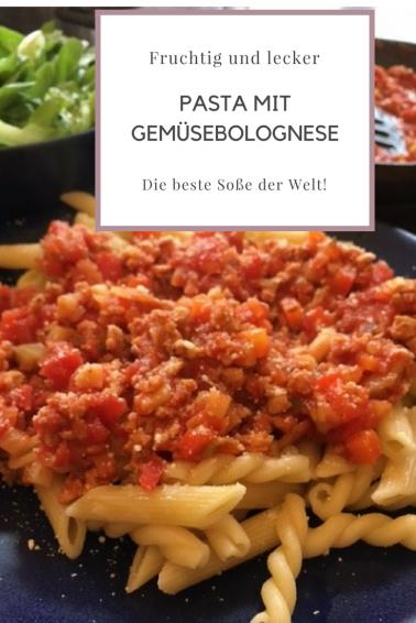 REzept für Pasta mit Gemüsebolognese: Eine fruchtige und leckere vegetarische Bolognese, die auch vegan ist. Schmeckt auch Kindern!