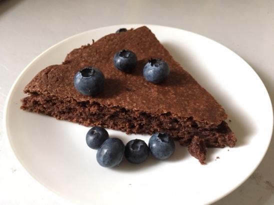 Schwedischer Kladdkaka - einfaches Rezept für den Schokokuchen aus Schweden - ein Kuchen, der auch Kindern schmeckt