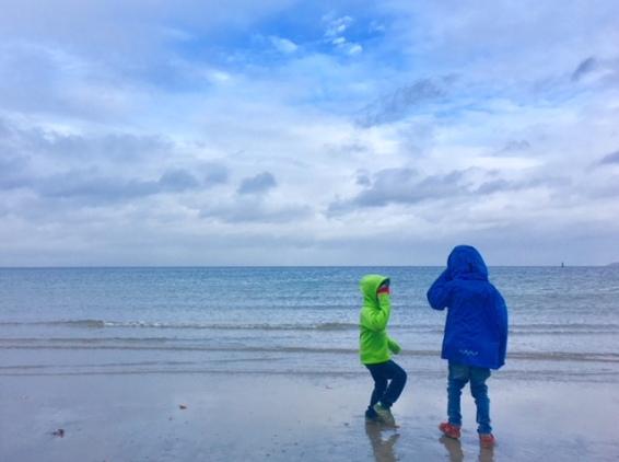 Funktionskleidung für Kinder: Die Marke Isbjörn of Sweden im Praxistest an der Ostsee